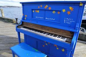 Arzier: Loulous au piano