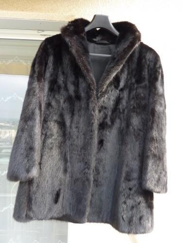 très belle veste en vison noir