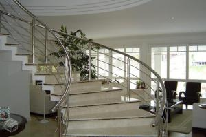Escaliers, portes, main courante en fer, INOX