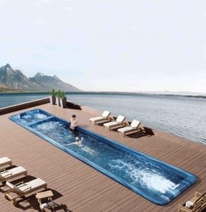 Spa de nage 9 places (10m.)- WAVER - neuf