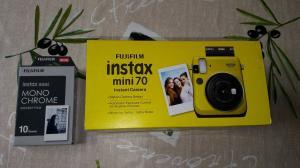 1x Fujifilm Instax Mini 70 + 10 feuilles Jaune