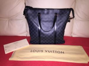 Sac louis Vuitton modele Tadao TBE clé cadenas dustbag