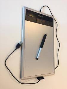 Tablette pour dessiner et stylet Bamboo