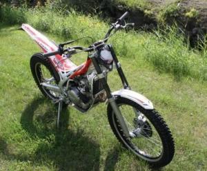 Moto de trial Beta 300 EVO 4T Homologuée
