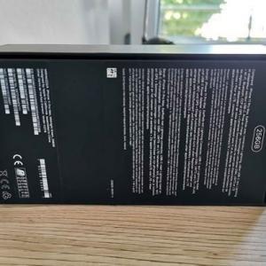 neues iPhone 11 Pro Max, 256 GB, Carbonabdeckung
