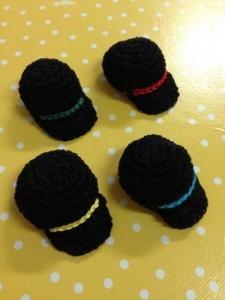 Lot de 6 casquettes faites main