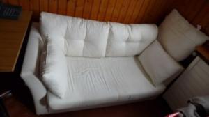 Canapé lit avec coussin flocage synthéti
