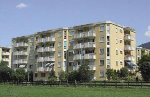 HOME SERVICE vous propose un appartement de 4.5 pièces avec 3 balcons.