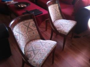 A vendre 6 chaises en bois massif
