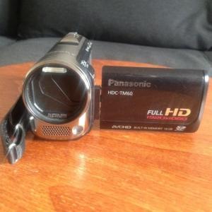 Caméscope Panasonic HDC-TM60 Camcorder (