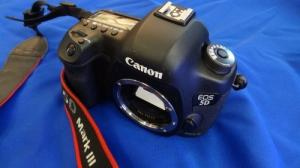 canon eos 5D mark III 3