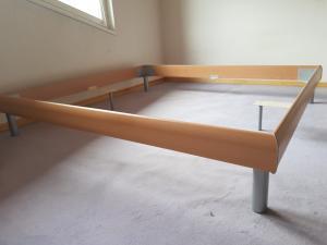cadre de lit à vendre