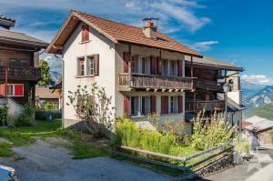Maison à rénover entièrement au coeur du vieux village, 275 m2