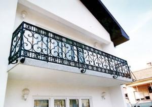 Barrière de balcon en fer forgé