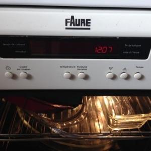 cuisinière blanche 3 feux induction