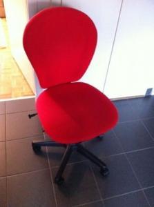 A vendre chaise de bureau rouge
