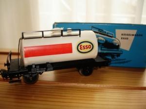 Märklin HO 4501 Citerne 2 essieux Esso