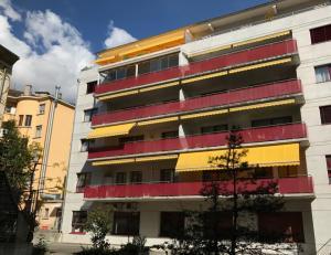 HOME SERVICE vous propose un appartement de 5.5 pièces avec balcon.