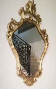 Miroir doré de style Louis XV