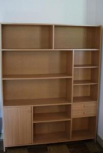 bibliothèque avec deux petits tiroirs