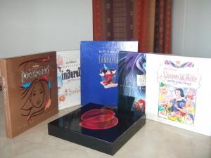 5 disques laser Walt Disney et 1 vinyl Peter Gabriel