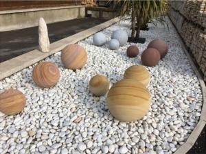 Boule de décoration en pierre naturelle