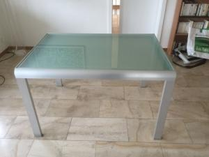 Table design extensible en verre