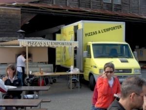 Votre pizzeria mobile au feu de bois