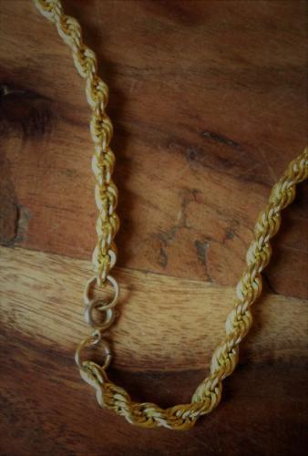 Cadeau f. collier de 60 à 130 frs sachet + pochette cadeau