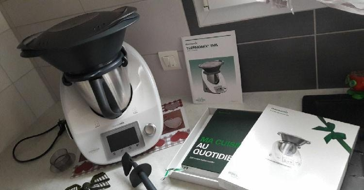 super robot thermomix tm5 vorwerk sac. Black Bedroom Furniture Sets. Home Design Ideas