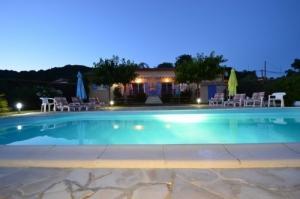 Ardèche,Gorges,2 gîtes ds  Villa,Piscin