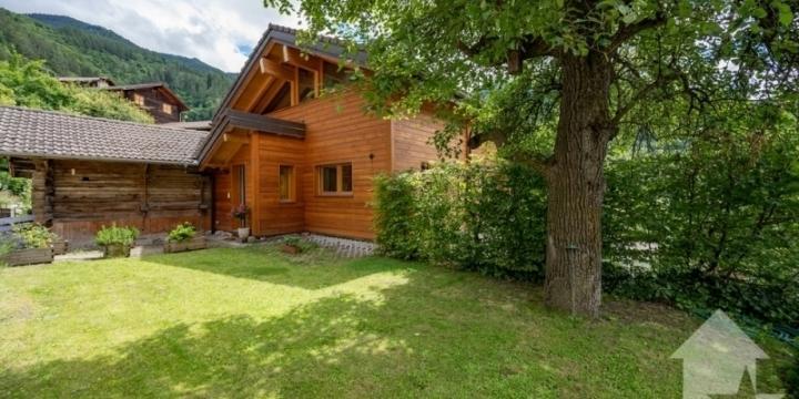 Belle maison d'architecte avec vue, balcon et jardin
