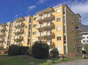 HOME SERVICE vous propose un appartement de 4,5 pièces avec 3 balcons.