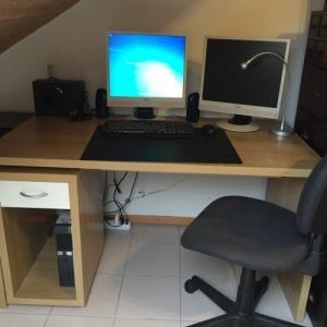 Bureau + chaise de bureau