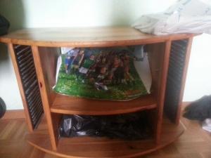 meuble de télévision en bon état