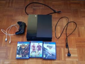 Playstation 4 - 500 Go / 3 jeux