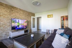 Appartement 4.5 entièrement rénové  avec situation calme