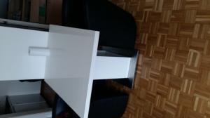 Table blanche moderne +2 fauteuils