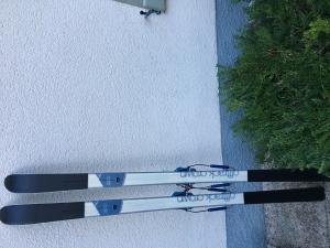 Ski randonnée nordique avec fix. télémark+2 peaux
