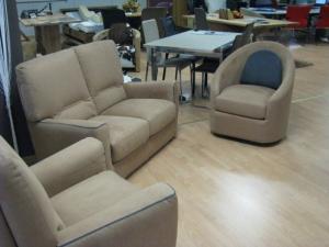 Elégant et confortable petit salon neuf en microfibre