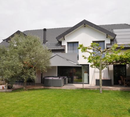 Très belle villa individuelle de 10 pièces