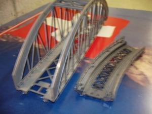 Märklin Pont en arche et courbe