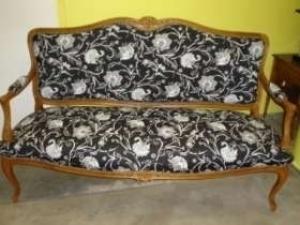 2 fauteuils et un canapé