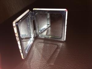2x miroirs de poche + boite à comprimés