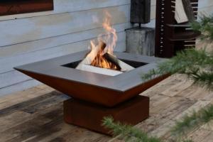 Cheminée-Foyer de jardin en acier