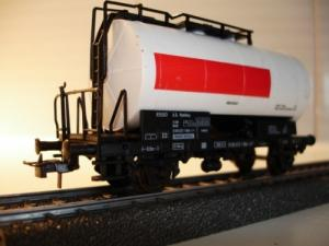 Roco HO 4336B ESSO wagon-citerne sans dé