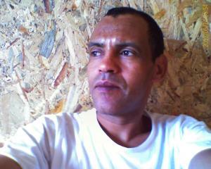 marocain   cherche  jop