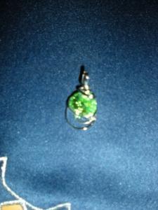Pendentif avec pierre verte