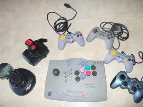 lot de jeux PC + lot de consoles de jeux vidéo