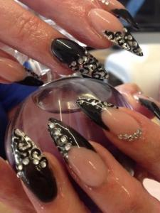Onglerie Montreux Lily Nails OPI